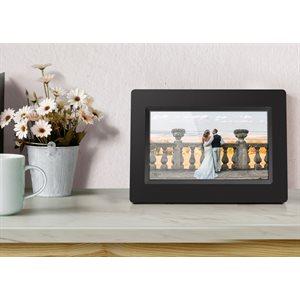 "ALURATEK 7 "" WIFI Digital Photo Frame w/ Touchscreen IPS Display & 4 GB Memory"